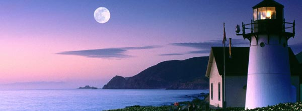 Full-Moon-Over-Lighthouse