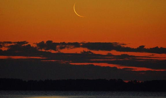 Crescent Moon 2014 - Seattle Astrology